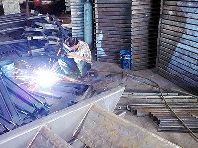 板房C型钢骨架焊接